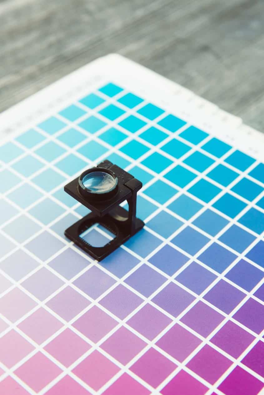 Loupe for looking at CMYK colors