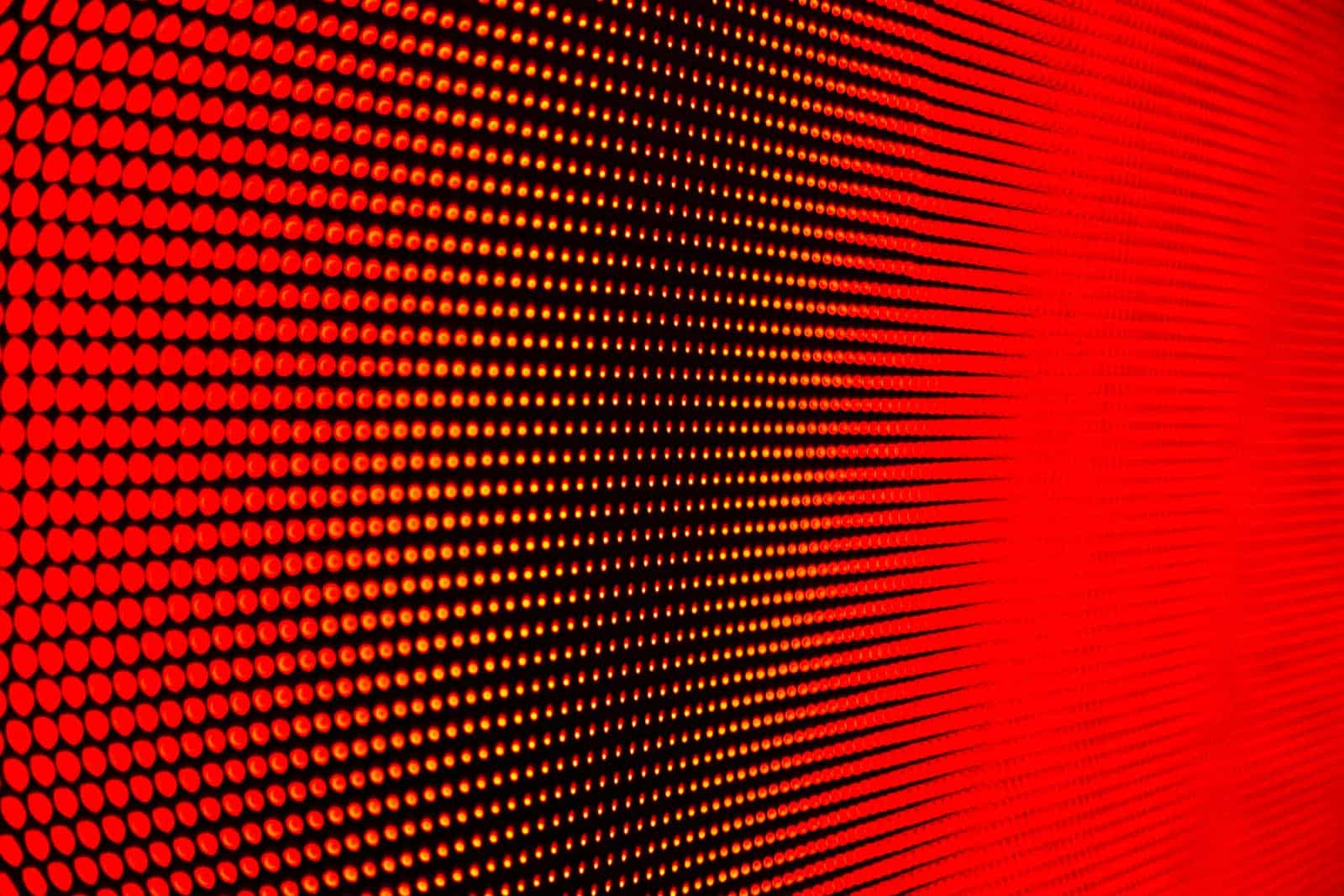 Resolution of red dots on a screen