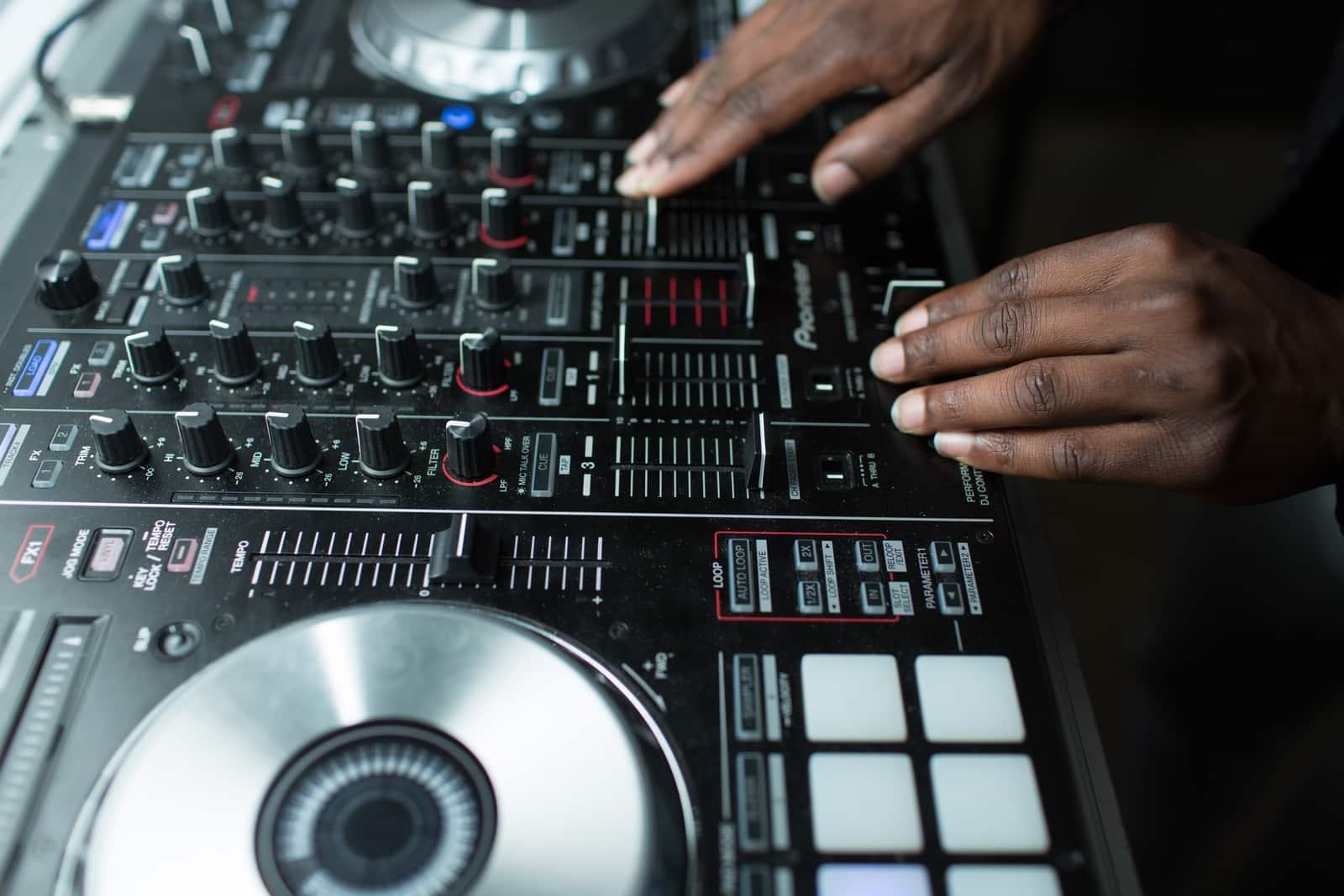 DJ mixing sound